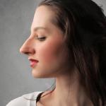 تاثیر جراحی بینی روی گونه